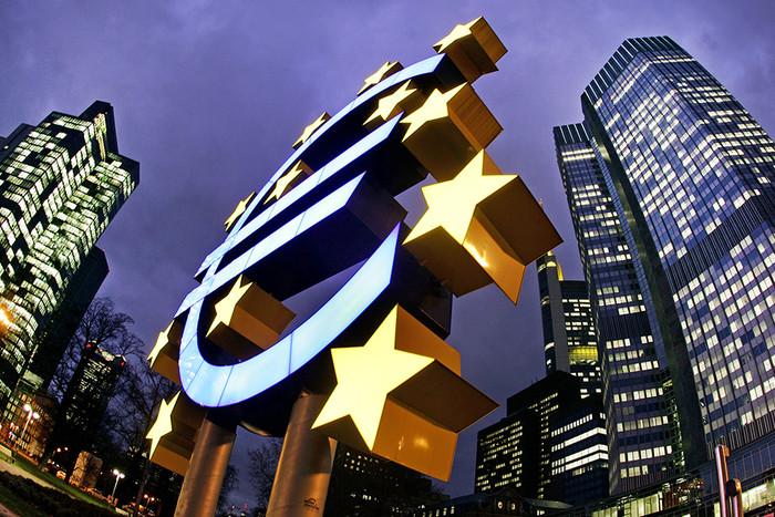 Евроцентробанк ксередине весны сохранил базовую ставку покредитам нанулевом уровне
