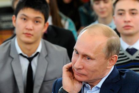 В начале февраля Владимир Путин встретится с группой наблюдателей на президентских выборах