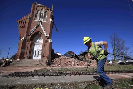 Жертвами торнадо в США стали 28 человек