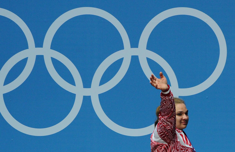 IWF отстранила русских тяжелоатлетов отучастия вОлимпиаде вРио
