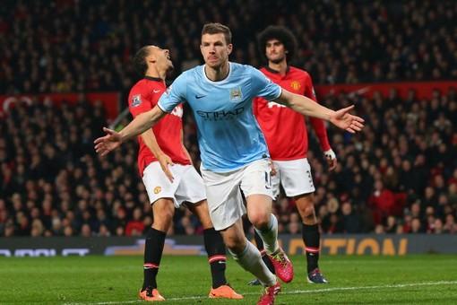 Дубль Эдина Джеко помог «Сити» выиграть у «Юнайтед» в манкунианском дерби