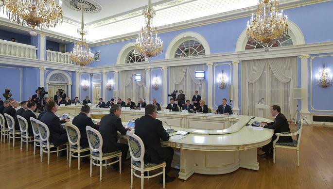 Медведев подписал распоряжение ореструктуризации долгов регионовРФ
