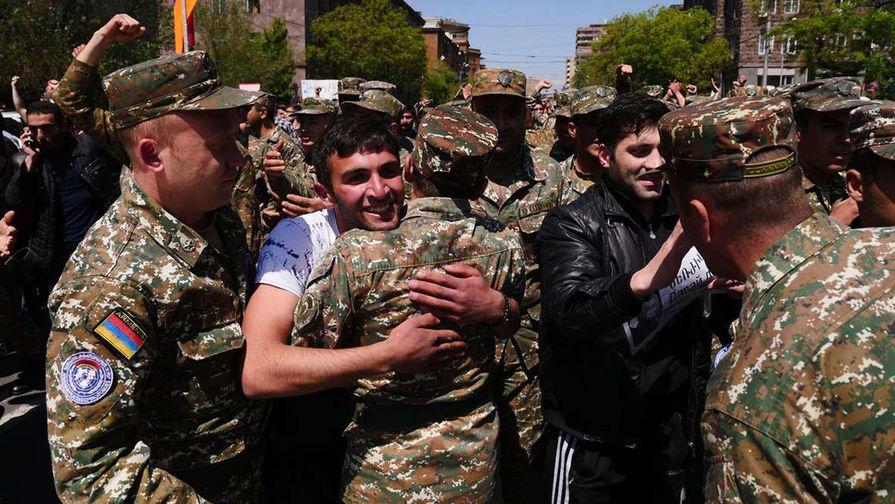 Серж Саргсян ушел споста премьера Армении