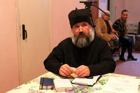 Священник Игорь не пошел против архимандрита Серафима и поддерживающих его прихожан