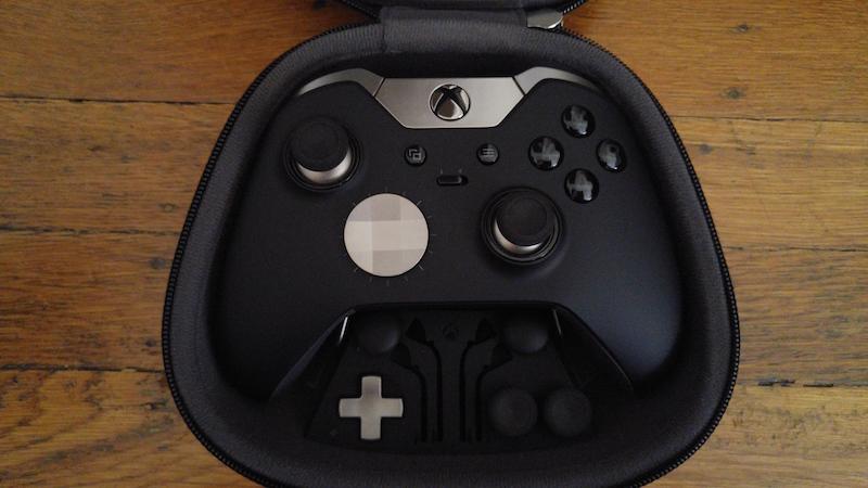 Xbox Elite стоит около 14 тыс. руб., поэтому лучше приобрести стандартный геймпад