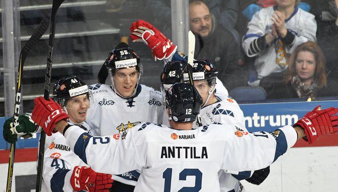 Хоккеисты Российской Федерации разгромили Швейцарию наКубке Карьяла