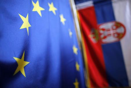 ЕС согласен предоставить Сербии статус кандидата на вступление