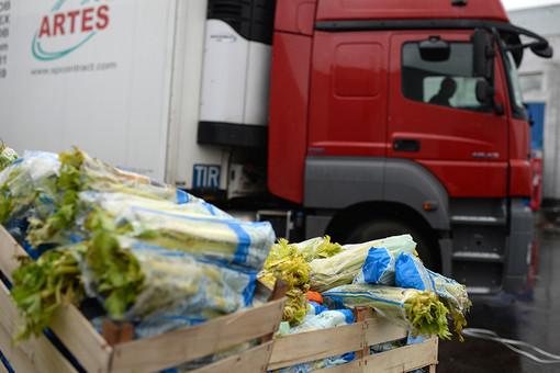 Ящики с товаром на овощебазе «Новые Черемушки»