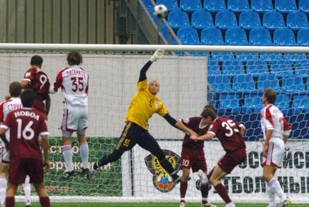 РФС обяжет клубы иметь стадионы или манежи с искусственным покрытием