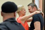 Алексея Навального и Петра Офицерова выпустили из-под стражи