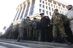 Как в Крыму воевали с украинским флагом в День защитника Отечества — репортаж «Газеты.Ru»