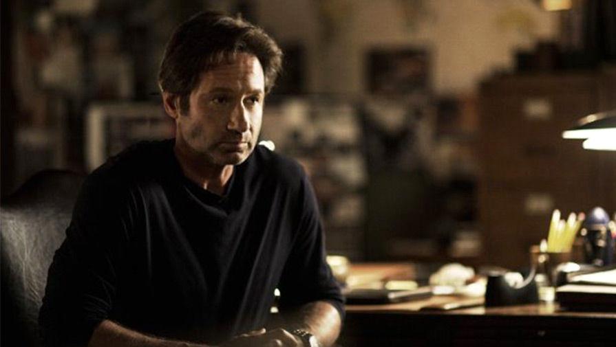 Дэвид Духовны в роли агента Фокса Малдера.