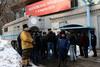 Сотрудники ФМС и казаки проверили разрешение на работу у швейцарского режиссера Мило Рау прямо во время его спектакля, посвященного Pussy Riot