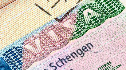 Для получения шенгенской визы россияне должны теперь сдавать отпечатки пальцев