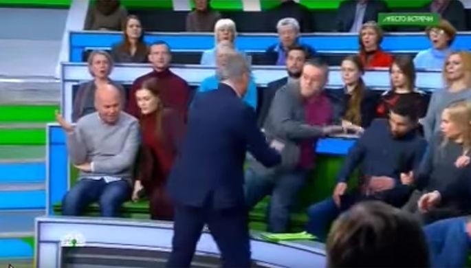 Вэфире НТВ устроили драку после фашистского приветствия