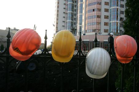 Иногородние рабочие строительных компаний готовятся организованно голосовать в Москве
