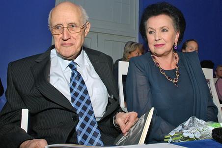 Виолончелист и дирижер Мстислав Ростропович с супругой оперной певицей Галиной Вишневской