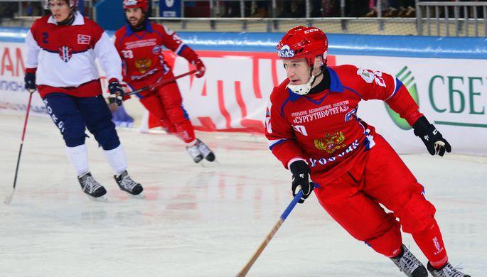 ВХабаровске открыли Чемпионат мира похоккею смячом