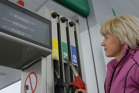 За год моторное топливо в России выросло на 15%