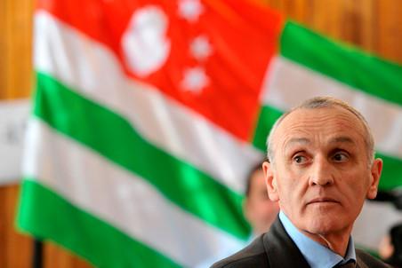 Шесть человек арестованы по подозрению в февральском покушении на президента Абхазии Анкваба