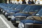 Российские чиновники постепенно пересаживаются на более дешевые автомобили