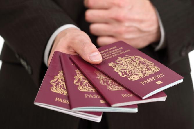 Благодаря Brexit Англия возвратит своим паспортам «канонический сине-золотой» дизайн