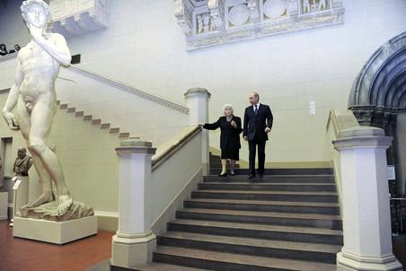 Владимир Путин во время беспорядков поехал в музей