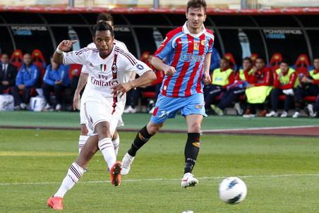 Милан потерял очки в гостевом матче с Катанией