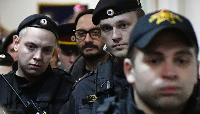 Серебренников попросил суд позволить «хоть под дулами автоматов» доснять фильм оЦое