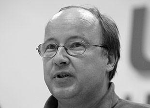 А. Ерофеев. Никаких «старых песен о главном». // ГАЗЕТА.RU, 13 мая 2011