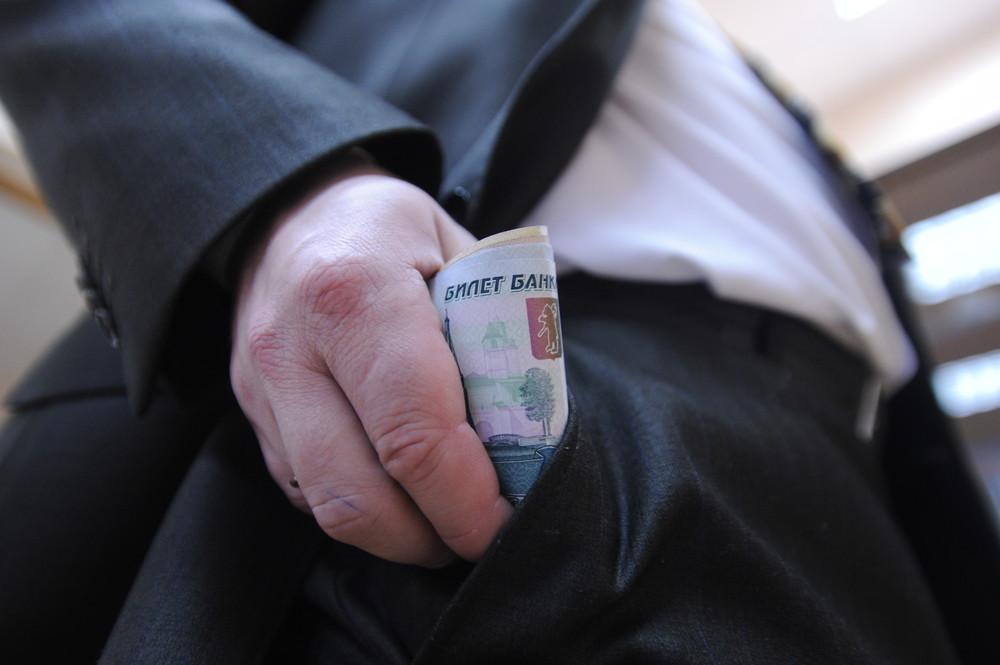 Прокурором г.Рубцовска в суд направлено уголовное дело в отношении лица, обвиняемого в даче взятки сотруднику полиции