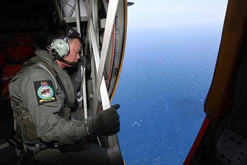Поиск пропавшего лайнера Malaysia Airlines
