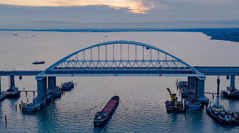 Железнодорожная часть Крымского моста будет открыта раньше доэтого срока— Минтранс
