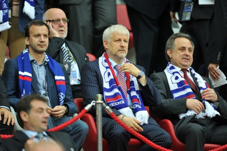 Президент РФС Сергей Фурсенко (в центре) на матче Польша— Россия