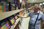 Украинские магазины отказываются от российских продуктов питания в пользу местных