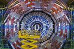 Большой адронный коллайдер пока не видит признаков новой физики