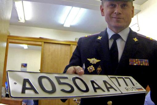 Заместитель начальника УГИБДД по г. Москве полковник Виктор Коваленко