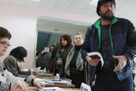 South Ossetia holds repeat presidential election, results point to runoff