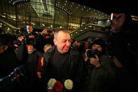Экс-кандидат в президенты Белоруссии Андрей Санников освобожден из колонии