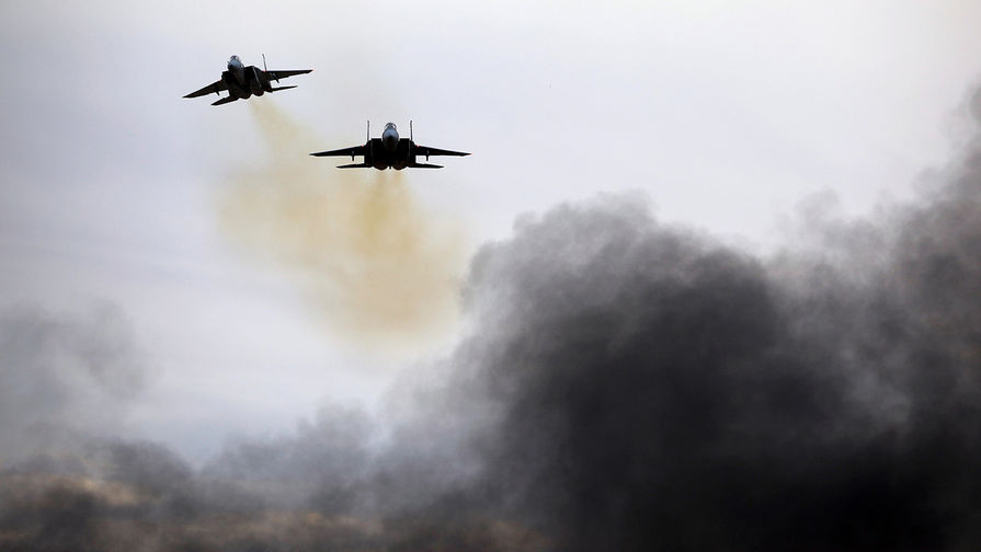 ВВС Израиля нанесли удар подесяткам иранских объектов вСирии