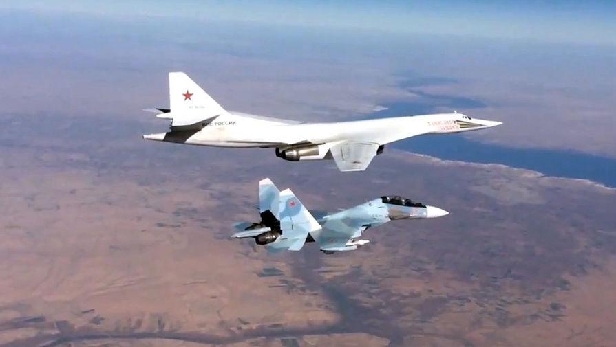 Đi kèm với máy bay chiến đấu Su-30cm-tên lửa máy bay ném bom Tu-160 của Không gian lực lượng quân sự của Nga ...