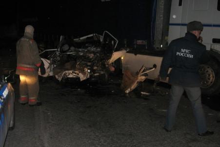 В Челябинской области в лобовом столкновении «Жигулей» и фуры погибли пять человек
