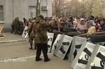 В субботу неизвестные вооруженные люди захватили районный отдел милиции в Славянске в Донецкой...