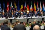 Украинский президент потребовал безвизового режима с Европой