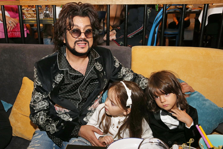 Владимир соловьев и его жена и дети фото