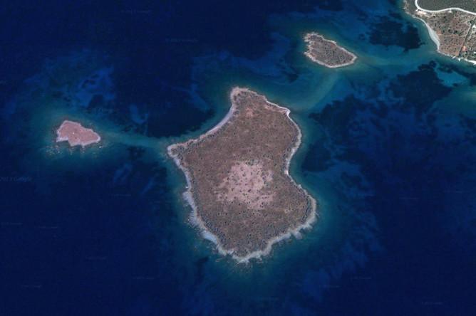 ВМС Турции непозволили греческим кораблям приблизиться кспорным островам