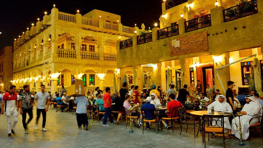 Испуганные жители Катара начали впанике скупать еду иводу