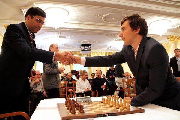 ЯнНепомнящий обыграл Вишванатана Ананда в7-м туре шахматного турнира встолице Англии