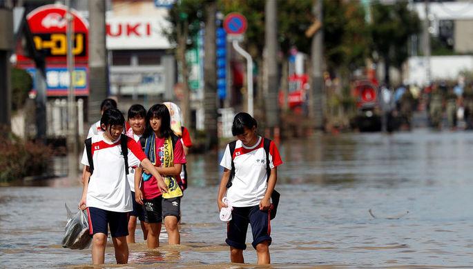 Около двухсот человек стали жертвами наводнения вЯпонии