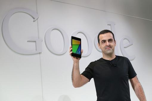 Хьюго Барра показывает новый Nexus 7